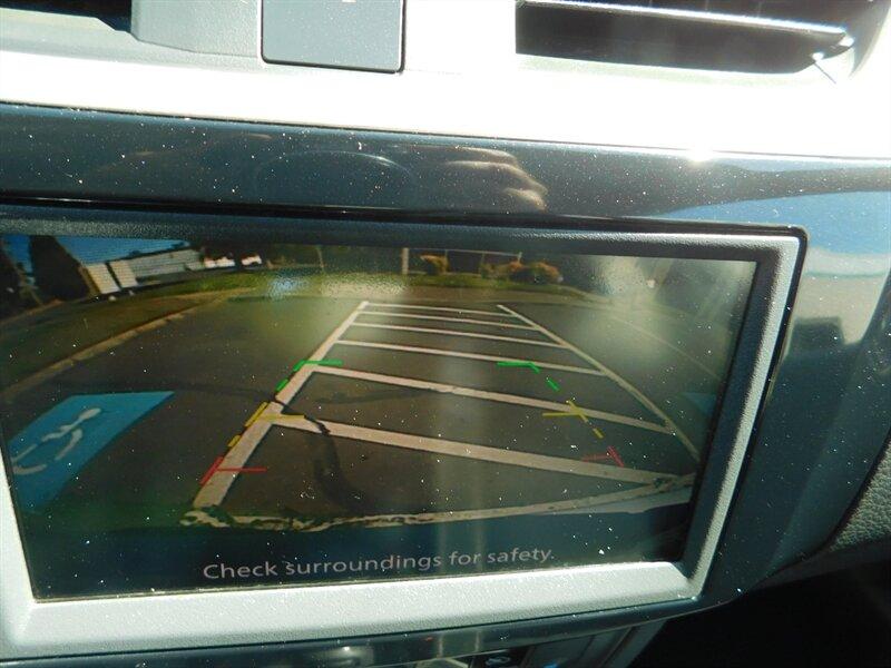 2019 Nissan Sentra SV Sedan / Backup Camera / 1-O photo