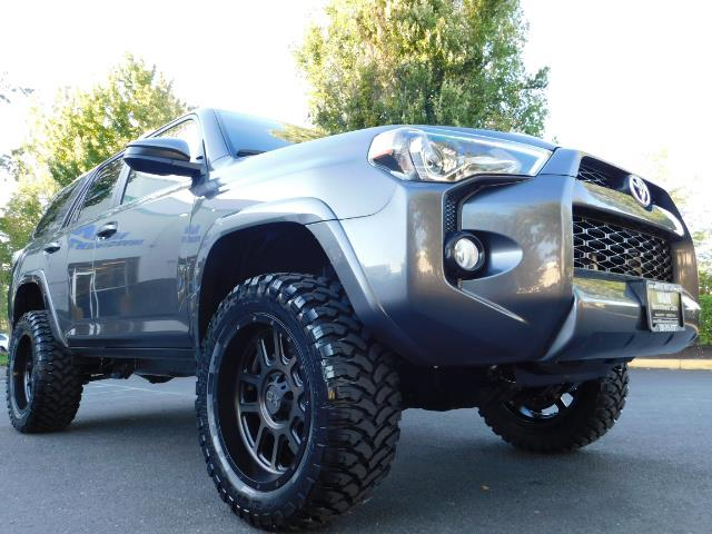 2016 Toyota 4Runner SR5 / 4WD / Sport Utility / LIFTED LIFTED - Photo 10 - Portland, OR 97217