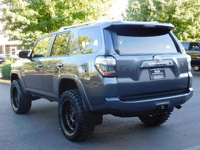 2016 Toyota 4Runner SR5 / 4WD / Sport Utility / LIFTED LIFTED - Photo 7 - Portland, OR 97217