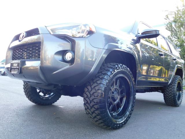 2016 Toyota 4Runner SR5 / 4WD / Sport Utility / LIFTED LIFTED - Photo 9 - Portland, OR 97217