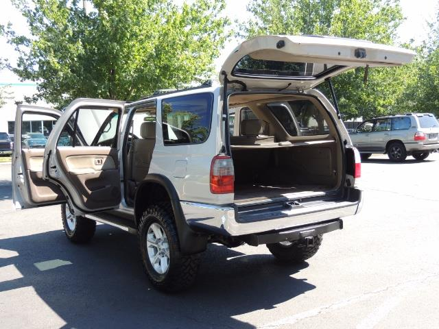 1999 Toyota 4Runner SR5 4WD V6 3.4L / LEATHER / NEW TIRES / LIFTED - Photo 25 - Portland, OR 97217