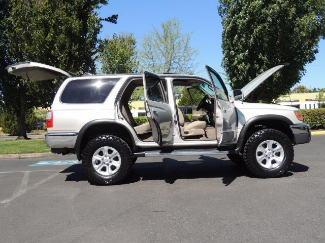 1999 Toyota 4Runner SR5 4WD V6 3.4L / LEATHER / NEW TIRES / LIFTED - Photo 58 - Portland, OR 97217