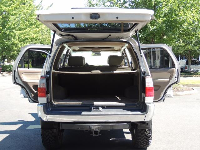 1999 Toyota 4Runner SR5 4WD V6 3.4L / LEATHER / NEW TIRES / LIFTED - Photo 26 - Portland, OR 97217