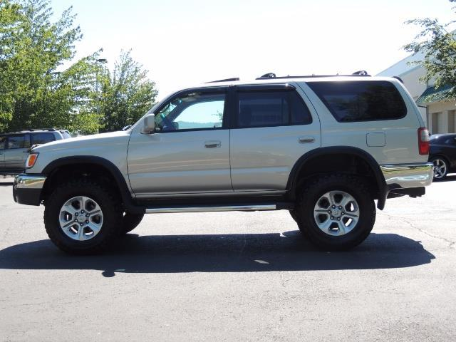 1999 Toyota 4Runner SR5 4WD V6 3.4L / LEATHER / NEW TIRES / LIFTED - Photo 39 - Portland, OR 97217
