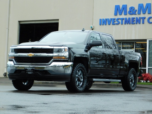 2017 Chevrolet Silverado 1500 LT / Crew Cab / 6.5Ft / 4WD / LIFTED LIFTED - Photo 1 - Portland, OR 97217