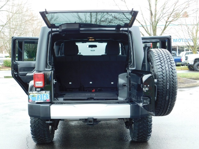 2012 Jeep Wrangler Unlimited Sahara / 4WD / Hard Top / Navi / LIFTED - Photo 22 - Portland, OR 97217