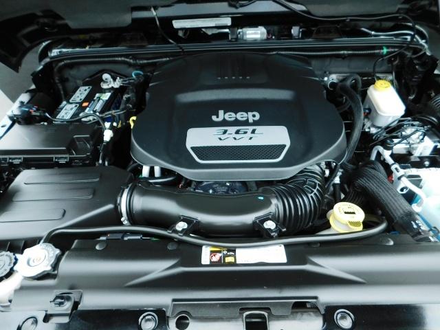 2012 Jeep Wrangler Unlimited Sahara / 4WD / Hard Top / Navi / LIFTED - Photo 33 - Portland, OR 97217