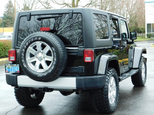 2012 Jeep Wrangler Unlimited Sahara / 4WD / Hard Top / Navi / LIFTED - Photo 8 - Portland, OR 97217