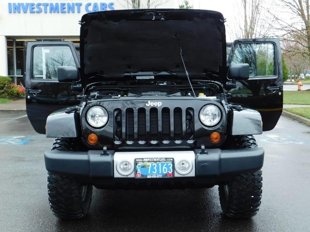 2012 Jeep Wrangler Unlimited Sahara / 4WD / Hard Top / Navi / LIFTED - Photo 32 - Portland, OR 97217