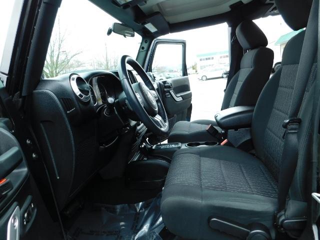 2012 Jeep Wrangler Unlimited Sahara / 4WD / Hard Top / Navi / LIFTED - Photo 14 - Portland, OR 97217