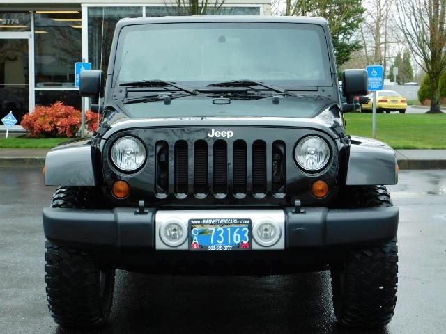2012 Jeep Wrangler Unlimited Sahara / 4WD / Hard Top / Navi / LIFTED - Photo 5 - Portland, OR 97217