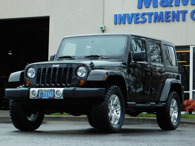 2012 Jeep Wrangler Unlimited Sahara / 4WD / Hard Top / Navi / LIFTED - Photo 45 - Portland, OR 97217