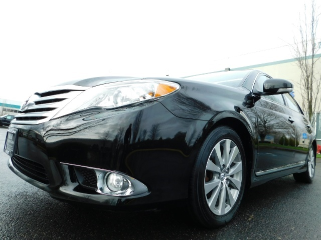 2011 Toyota Avalon Limited NAVi / Rear CAM / Heated Leather / 1-Owner - Photo 9 - Portland, OR 97217