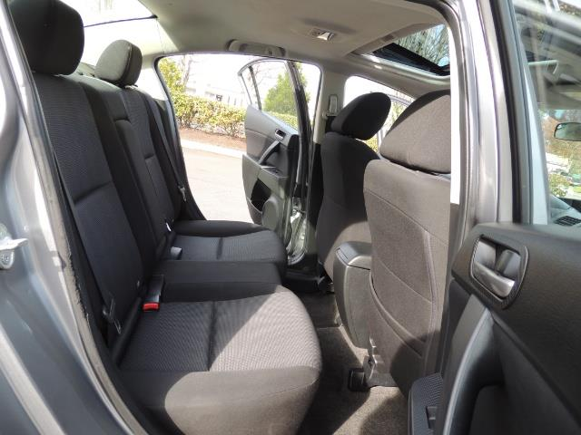 2010 Mazda Mazda3 i Touring / Sedan / Sunroof / Premium Sound - Photo 15 - Portland, OR 97217