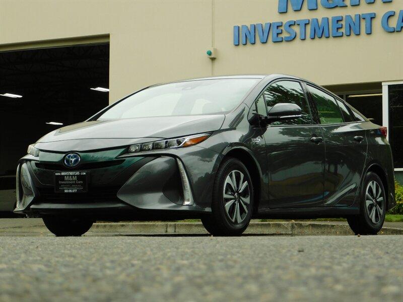 2017 Toyota Prius Prius Prime Advanced / PLUG-IN photo