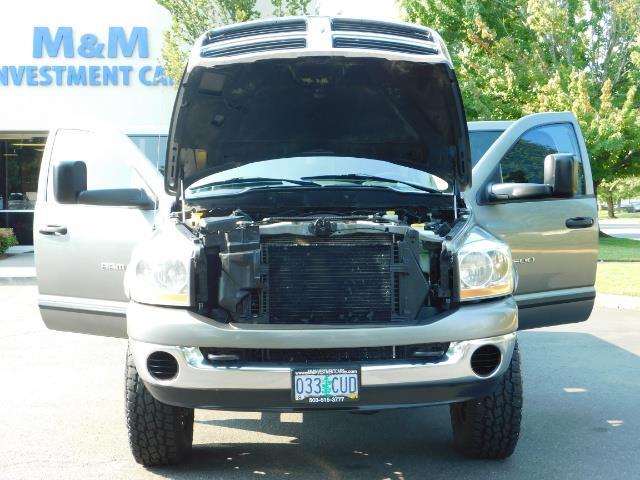 2006 Dodge Ram 2500 SLT Mega Cab / 4X4 / 5.9L DIESEL/ 6-SPEED /Leather - Photo 31 - Portland, OR 97217