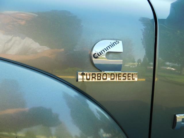 2006 Dodge Ram 2500 SLT Mega Cab / 4X4 / 5.9L DIESEL/ 6-SPEED /Leather - Photo 43 - Portland, OR 97217
