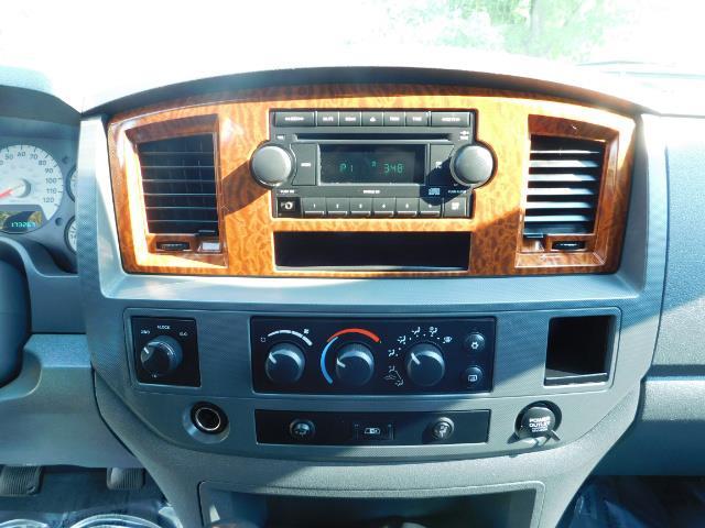 2006 Dodge Ram 2500 SLT Mega Cab / 4X4 / 5.9L DIESEL/ 6-SPEED /Leather - Photo 35 - Portland, OR 97217