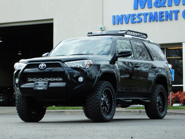 2016 Toyota 4Runner SR5 / 4WD / Navigation / LIFTED // SPECIAL PRICE// - Photo 1 - Portland, OR 97217