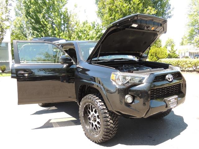 2016 Toyota 4Runner 4X4 3RD SEAT / CAM / WARRANTY / XD WHEELS / LIFTED - Photo 28 - Portland, OR 97217