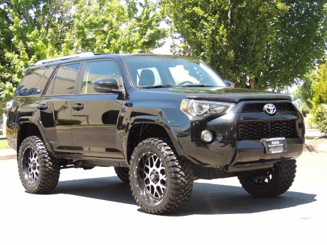 2016 Toyota 4Runner 4X4 3RD SEAT / CAM / WARRANTY / XD WHEELS / LIFTED - Photo 2 - Portland, OR 97217