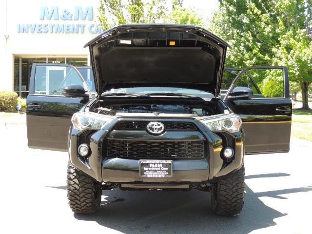 2016 Toyota 4Runner 4X4 3RD SEAT / CAM / WARRANTY / XD WHEELS / LIFTED - Photo 29 - Portland, OR 97217