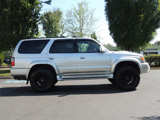 2000 Toyota 4Runner SR5 4dr SR5 / 4X4 /  5-SPEED MANUAL / LIFTED - Photo 4 - Portland, OR 97217