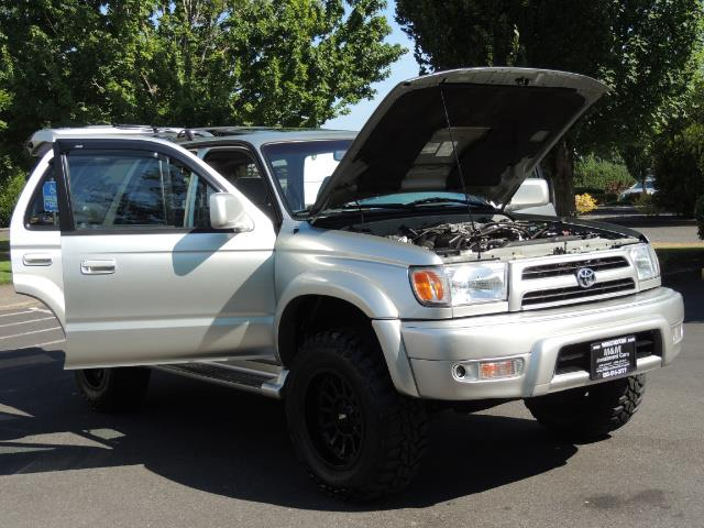 2000 Toyota 4Runner SR5 4dr SR5 / 4X4 /  5-SPEED MANUAL / LIFTED - Photo 31 - Portland, OR 97217