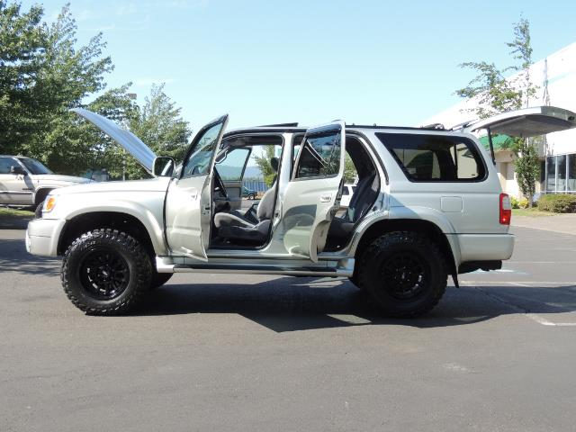 2000 Toyota 4Runner SR5 4dr SR5 / 4X4 /  5-SPEED MANUAL / LIFTED - Photo 26 - Portland, OR 97217