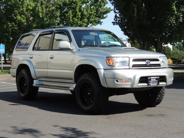 2000 Toyota 4Runner SR5 4dr SR5 / 4X4 /  5-SPEED MANUAL / LIFTED - Photo 2 - Portland, OR 97217