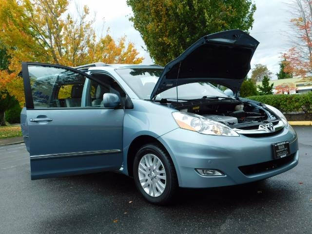 2010 Toyota Sienna XLE Limited / AWD / Leather / Navi / DVD / Sunroof - Photo 31 - Portland, OR 97217