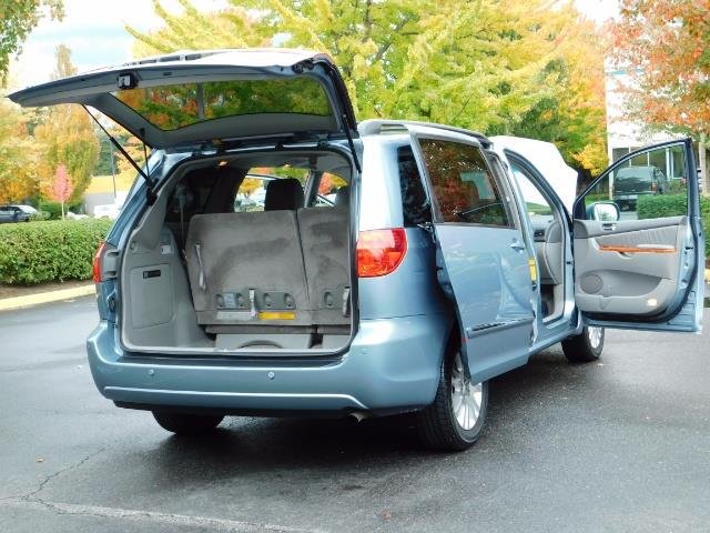 2010 Toyota Sienna XLE Limited / AWD / Leather / Navi / DVD / Sunroof - Photo 29 - Portland, OR 97217
