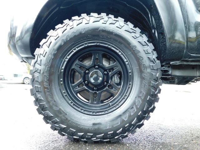 2009 Toyota Tacoma Access Cab 4X4 / TRD OFF ROAD / 5 SPEED / 58K MILS - Photo 24 - Portland, OR 97217