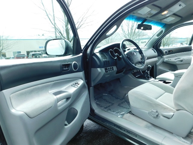 2009 Toyota Tacoma Access Cab 4X4 / TRD OFF ROAD / 5 SPEED / 58K MILS - Photo 13 - Portland, OR 97217