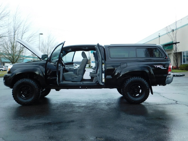 2009 Toyota Tacoma Access Cab 4X4 / TRD OFF ROAD / 5 SPEED / 58K MILS - Photo 22 - Portland, OR 97217