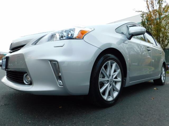 2012 Toyota Prius V Five / Wagon / Leather/ Heated seats / Navigation - Photo 9 - Portland, OR 97217