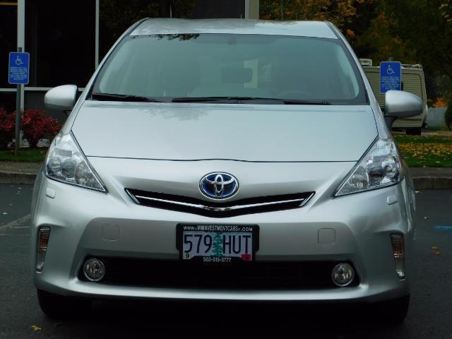 2012 Toyota Prius V Five / Wagon / Leather/ Heated seats / Navigation - Photo 5 - Portland, OR 97217
