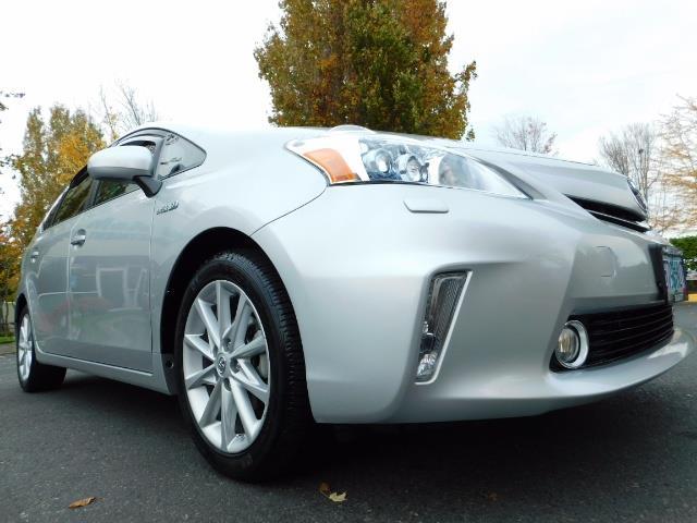 2012 Toyota Prius V Five / Wagon / Leather/ Heated seats / Navigation - Photo 10 - Portland, OR 97217