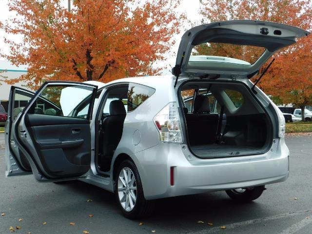 2012 Toyota Prius V Five / Wagon / Leather/ Heated seats / Navigation - Photo 27 - Portland, OR 97217