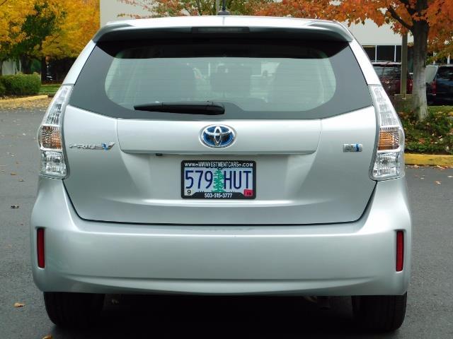 2012 Toyota Prius V Five / Wagon / Leather/ Heated seats / Navigation - Photo 6 - Portland, OR 97217