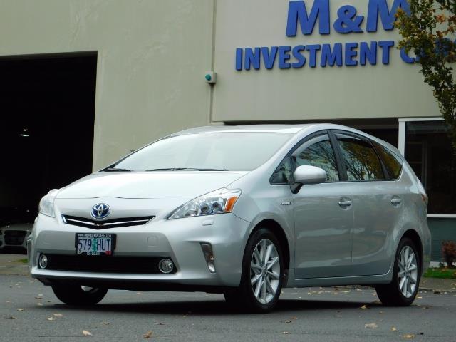 2012 Toyota Prius V Five / Wagon / Leather/ Heated seats / Navigation - Photo 1 - Portland, OR 97217