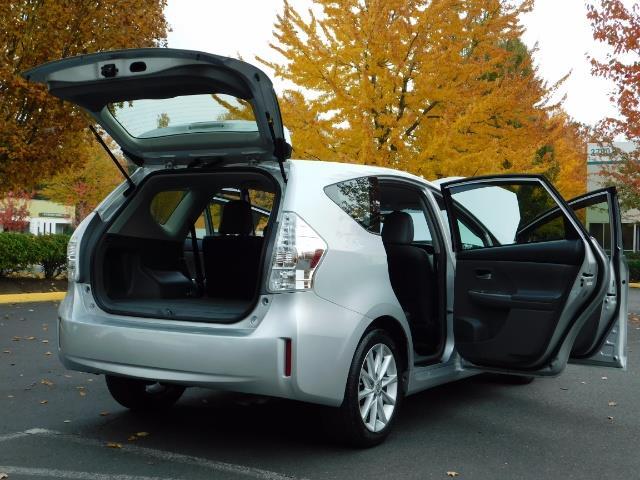 2012 Toyota Prius V Five / Wagon / Leather/ Heated seats / Navigation - Photo 29 - Portland, OR 97217