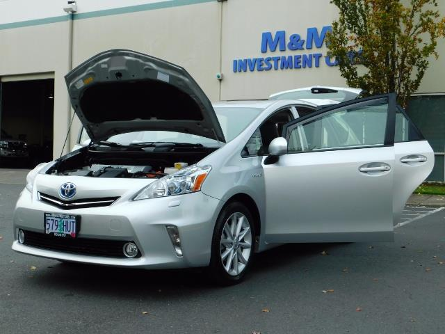 2012 Toyota Prius V Five / Wagon / Leather/ Heated seats / Navigation - Photo 25 - Portland, OR 97217