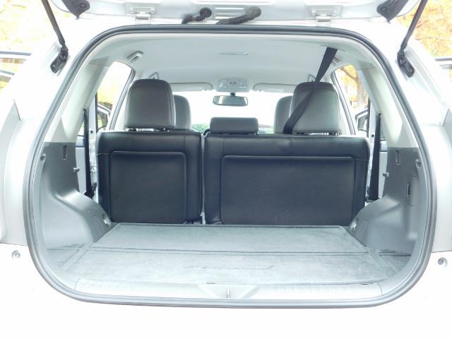 2012 Toyota Prius V Five / Wagon / Leather/ Heated seats / Navigation - Photo 18 - Portland, OR 97217
