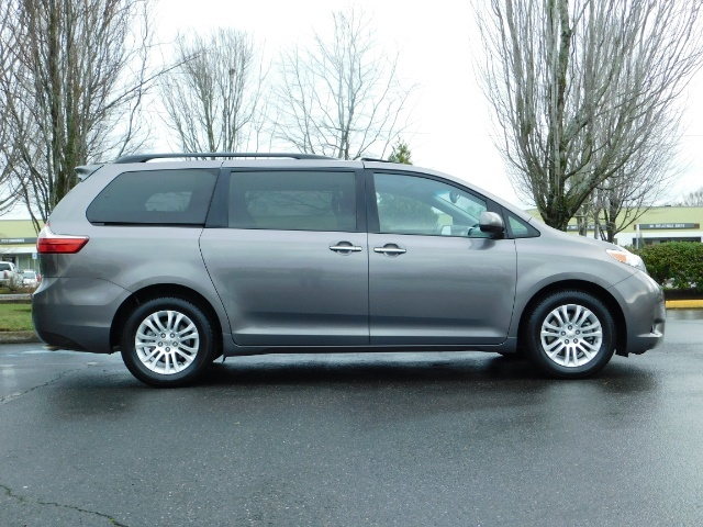 2016 Toyota Sienna XLE 8-Passenger / All Power Options / 1-OWNER - Photo 4 - Portland, OR 97217