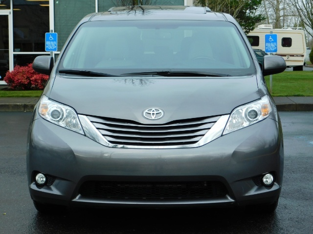 2016 Toyota Sienna XLE 8-Passenger / All Power Options / 1-OWNER - Photo 5 - Portland, OR 97217