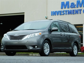 2016 Toyota Sienna XLE 8-Passenger / All Power Options / 1-OWNER Van
