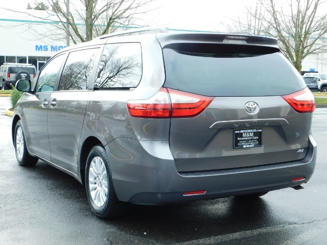 2016 Toyota Sienna XLE 8-Passenger / All Power Options / 1-OWNER - Photo 7 - Portland, OR 97217