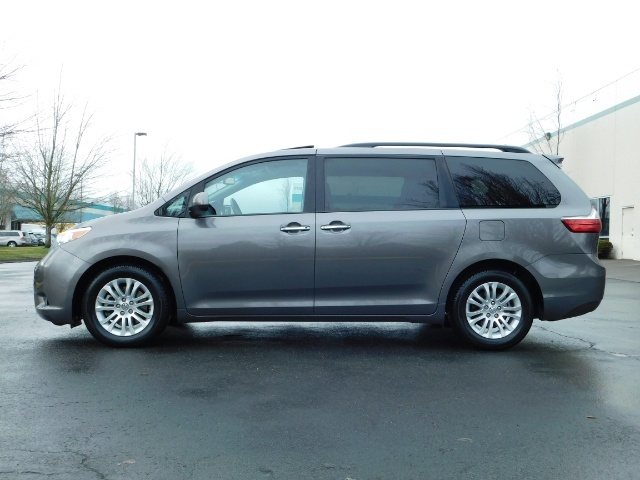 2016 Toyota Sienna XLE 8-Passenger / All Power Options / 1-OWNER - Photo 3 - Portland, OR 97217