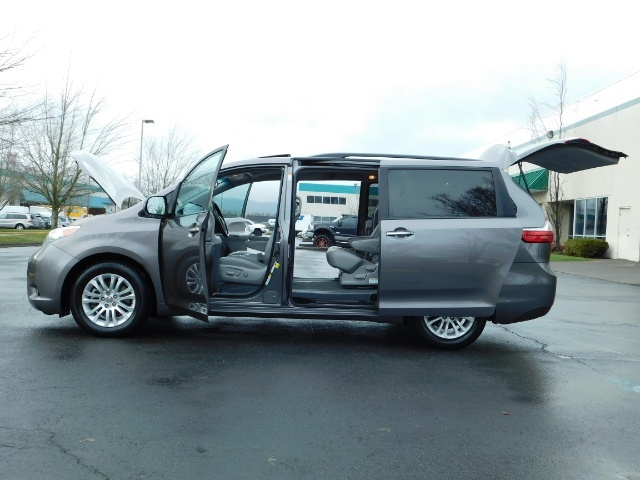 2016 Toyota Sienna XLE 8-Passenger / All Power Options / 1-OWNER - Photo 23 - Portland, OR 97217